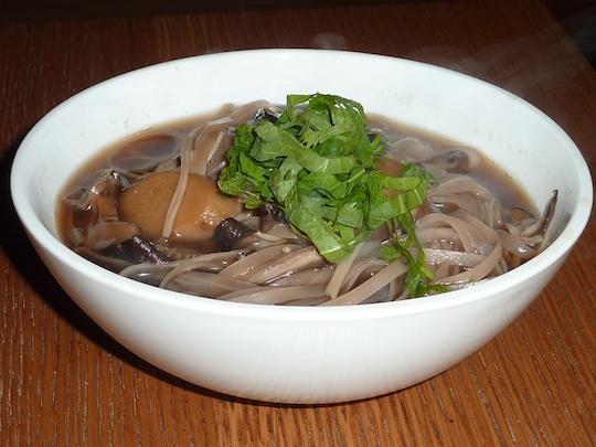 ellarys-greens-organic-restaurant-nyc-rice-noodle-soup