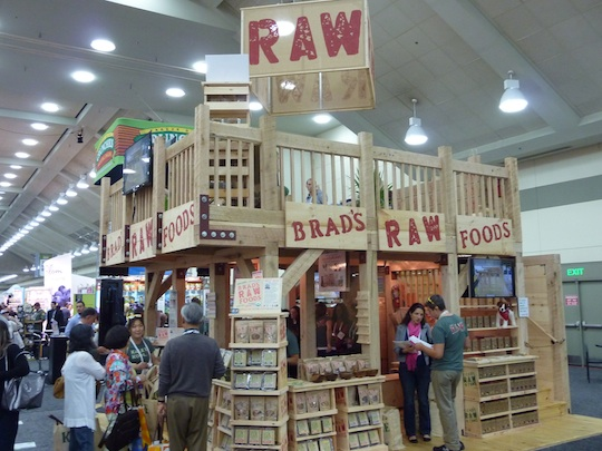 best-trade-show-booth-expo-east-2013-brads-raw-foods