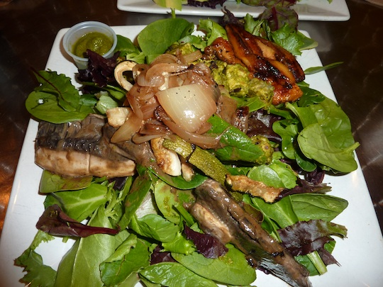 choices-cafe-miami-organic-pesto-salad