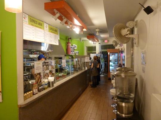 choices-cafe-organic-restaurant-miami-brickell-inside