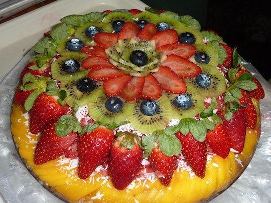 raw-organic-fruit-pie