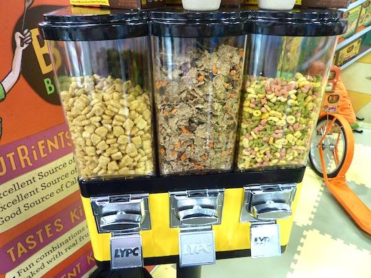 bitsys-brainfood-expo-west-best-booth-dispenser
