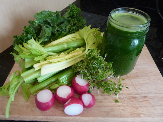 juicing-radishes-broccoli-sprouts