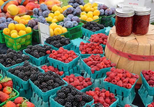 Berries at farmers market