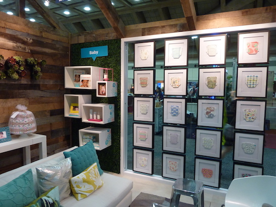 honest-trade-show-booth-glass-wall-inside