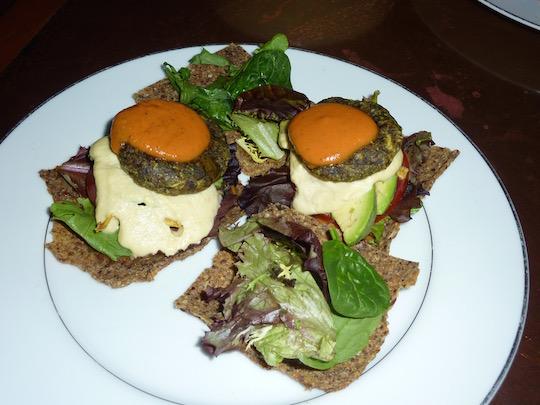 seasoned-vegan-harlem-nyc-raw-burger