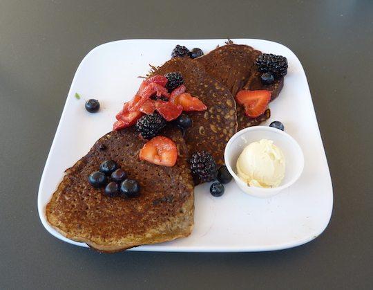 green-bar-kitchen-organic-restaurant-ft-lauderdale-chia-pancakes