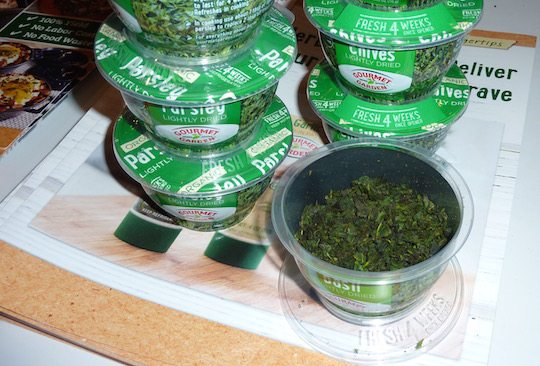 gourmet-garden-chives-parsley