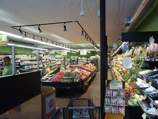 organic-circle-kosher-supermarket-brooklyn-inside-shot