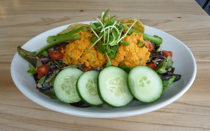 seedz-cafe-st-louis-vegan-organic-mock-tuna