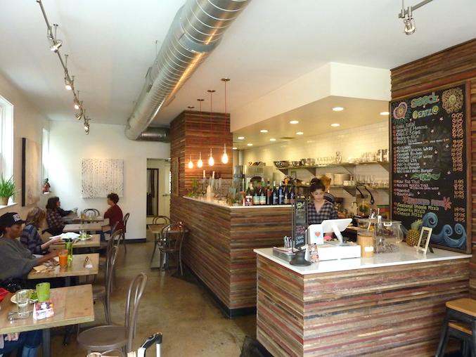 seedz-cafe-st-louis-vegan-organic-restaurant-inside