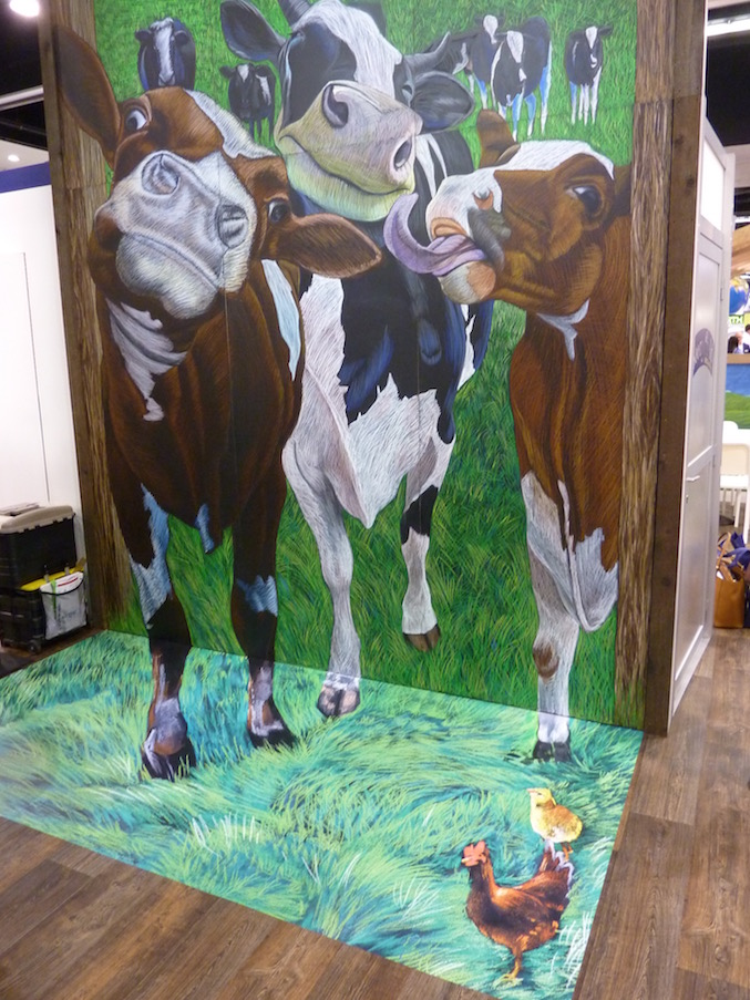 stonyfield-best-trade-show-booth-expo-west-2017-cows