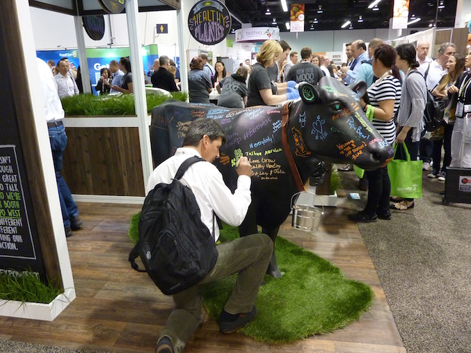 stonyfield-best-trade-show-booth-expo-west-2017-steel-cow